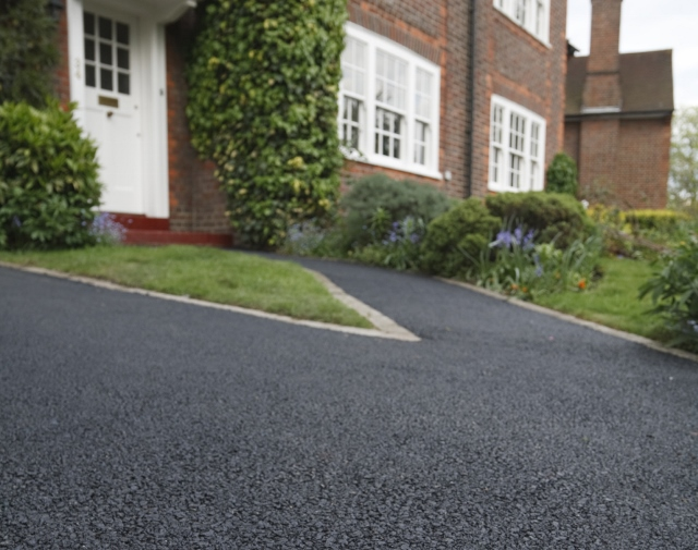 Bitumen Asphalt Driveways Build