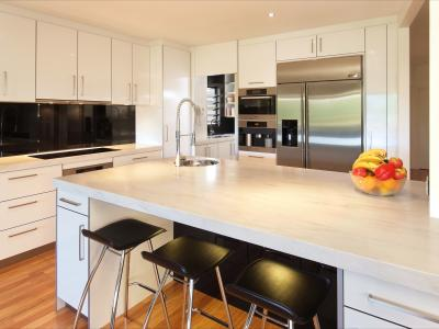 Modern or contemporary kitchens