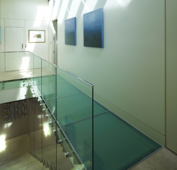 Glass And Acrylic Floors Build