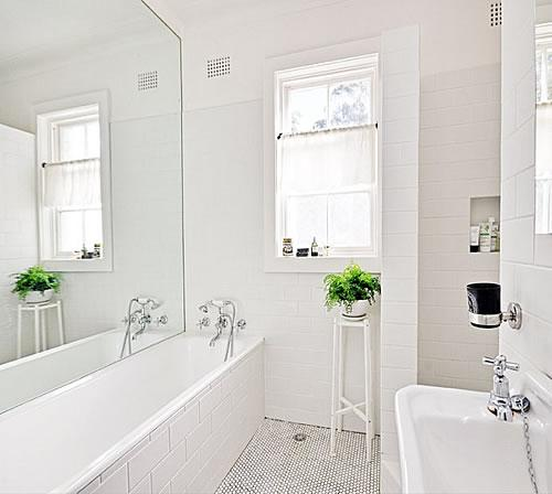 7 Ways To Make A Small Bathroom Look Bigger