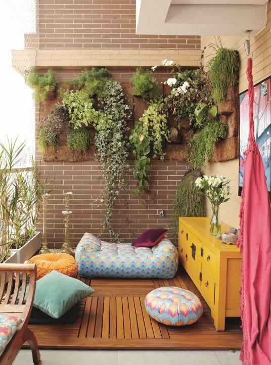 Source: http://www.decoist.com/2013-09-09/balcony-gardens-ideas -small-apartments/