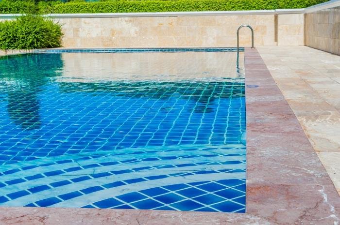 Clean Swimming Pool: Essential for a Healthy Living   BUILD