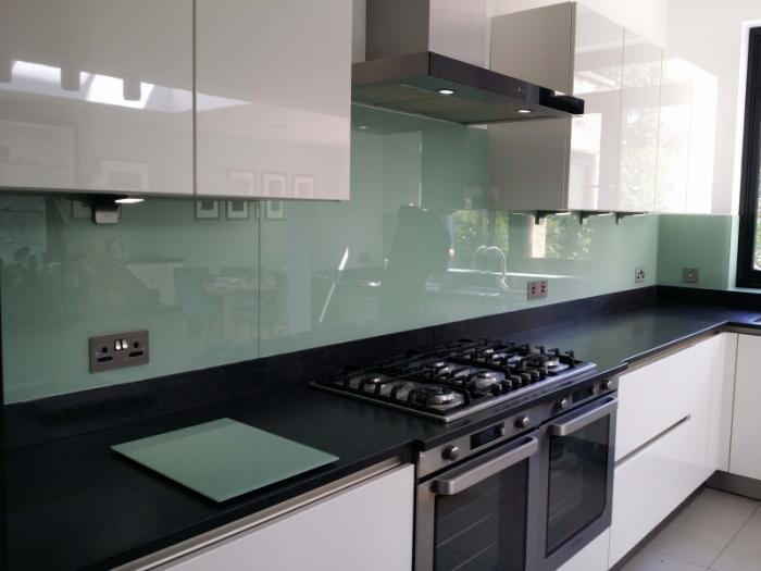 Choose Perfect Glass Kitchen Splashback ...